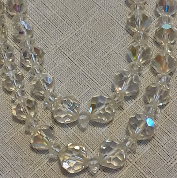 Jewelry - Vintage Sparkly Bead Necklace